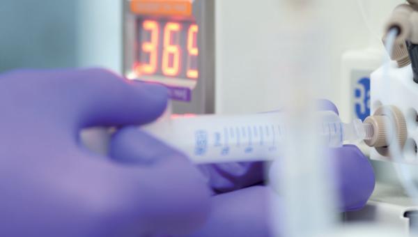 Procedimientos de Estandarización de los ensayos de química clínica e inmunología de Roche Diagnostics